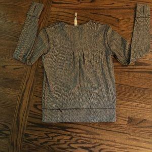 lululemon athletica Tops - Like New Lululemon Size 4 Long Sleeve